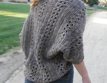 Free Crochet Pattern For Shawl With Sleeves : free easy crochet cardigan patterns